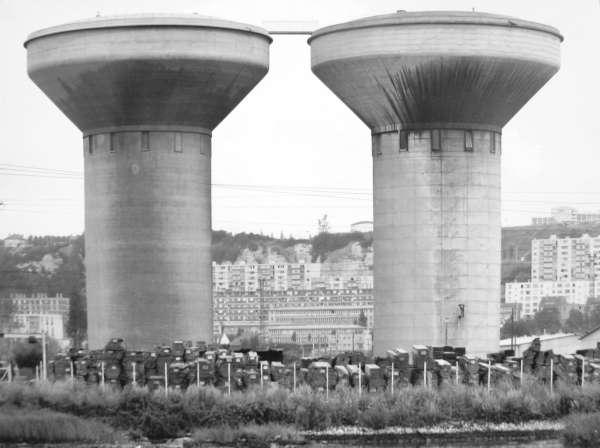 Wassertürme in Honfleur - Bernd and Hilla Becher